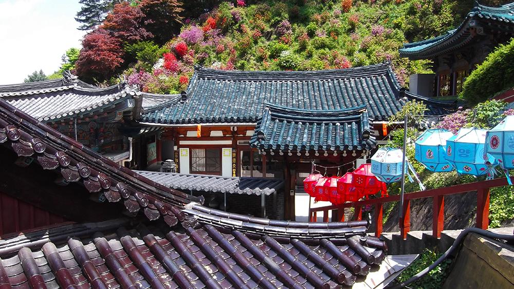 Multicolored-roof-tiles.jpg