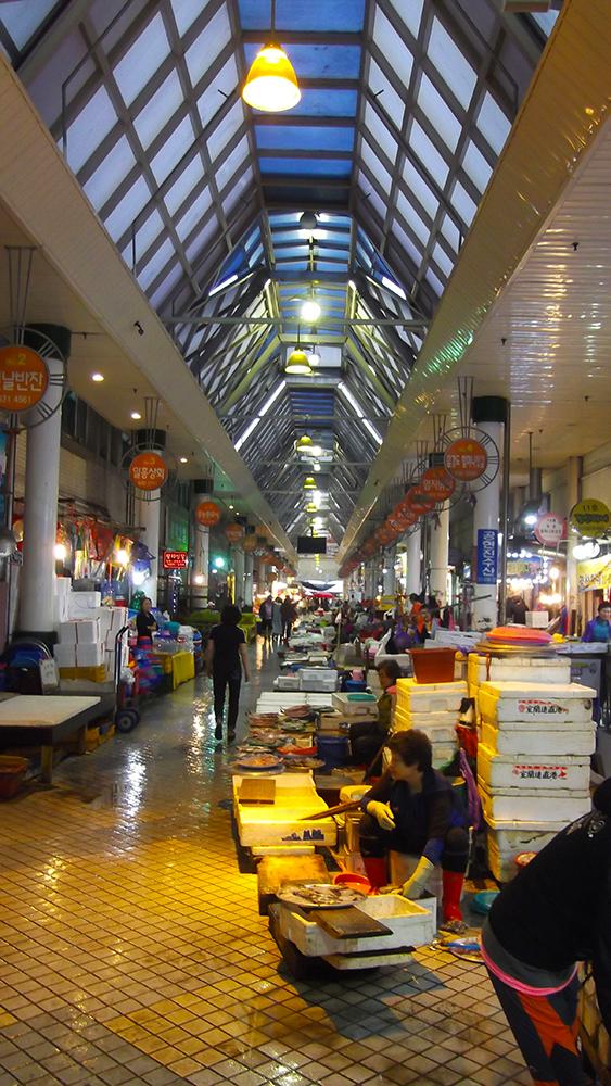 Traditional-Market-2.jpg