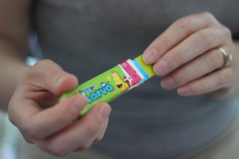 Larva gum opening