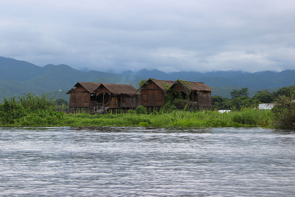 Floating-Houses-2.jpg