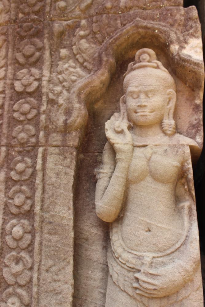 listening-statue.jpg