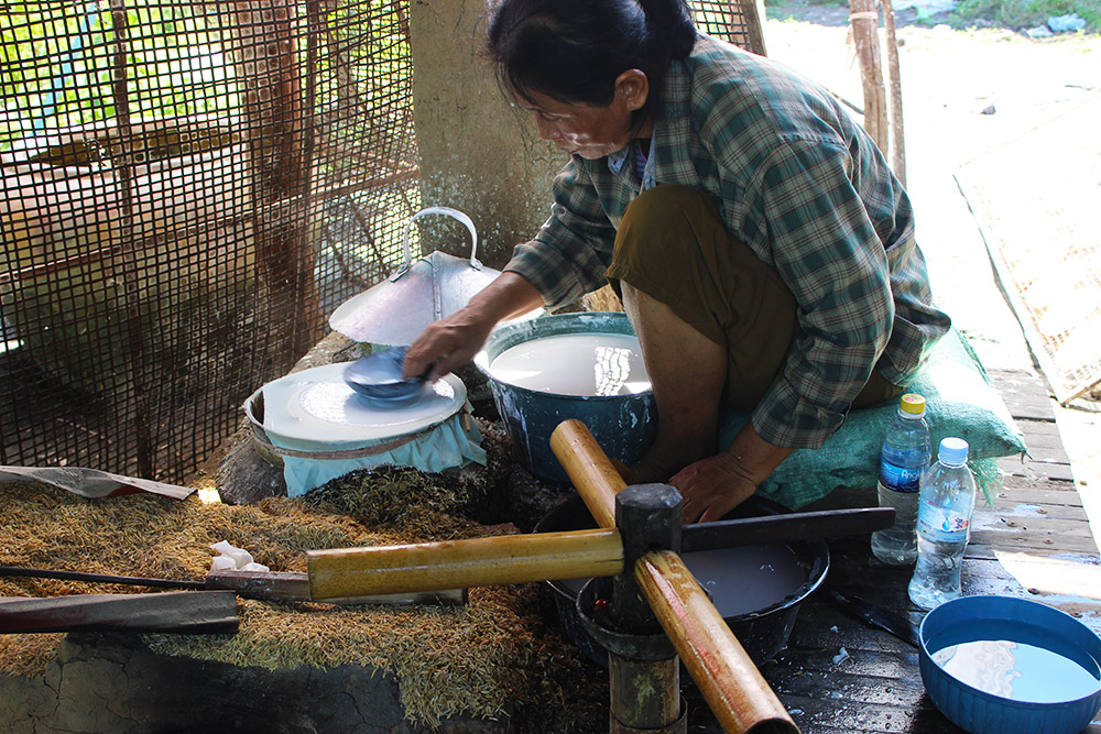 making-rice-paper.jpg