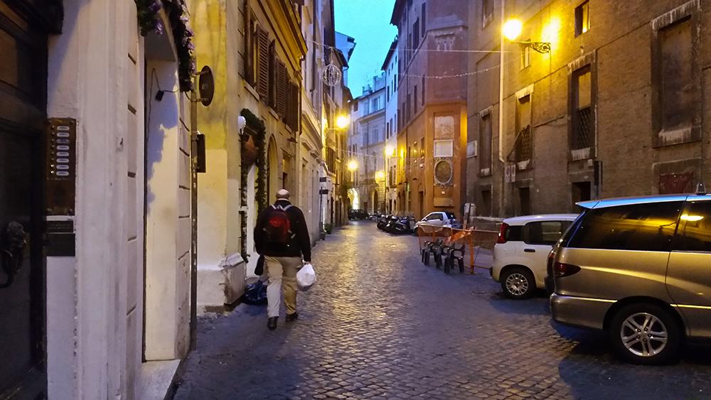 Atmosphere-Piazza-Navona-Neighborhood.jpg
