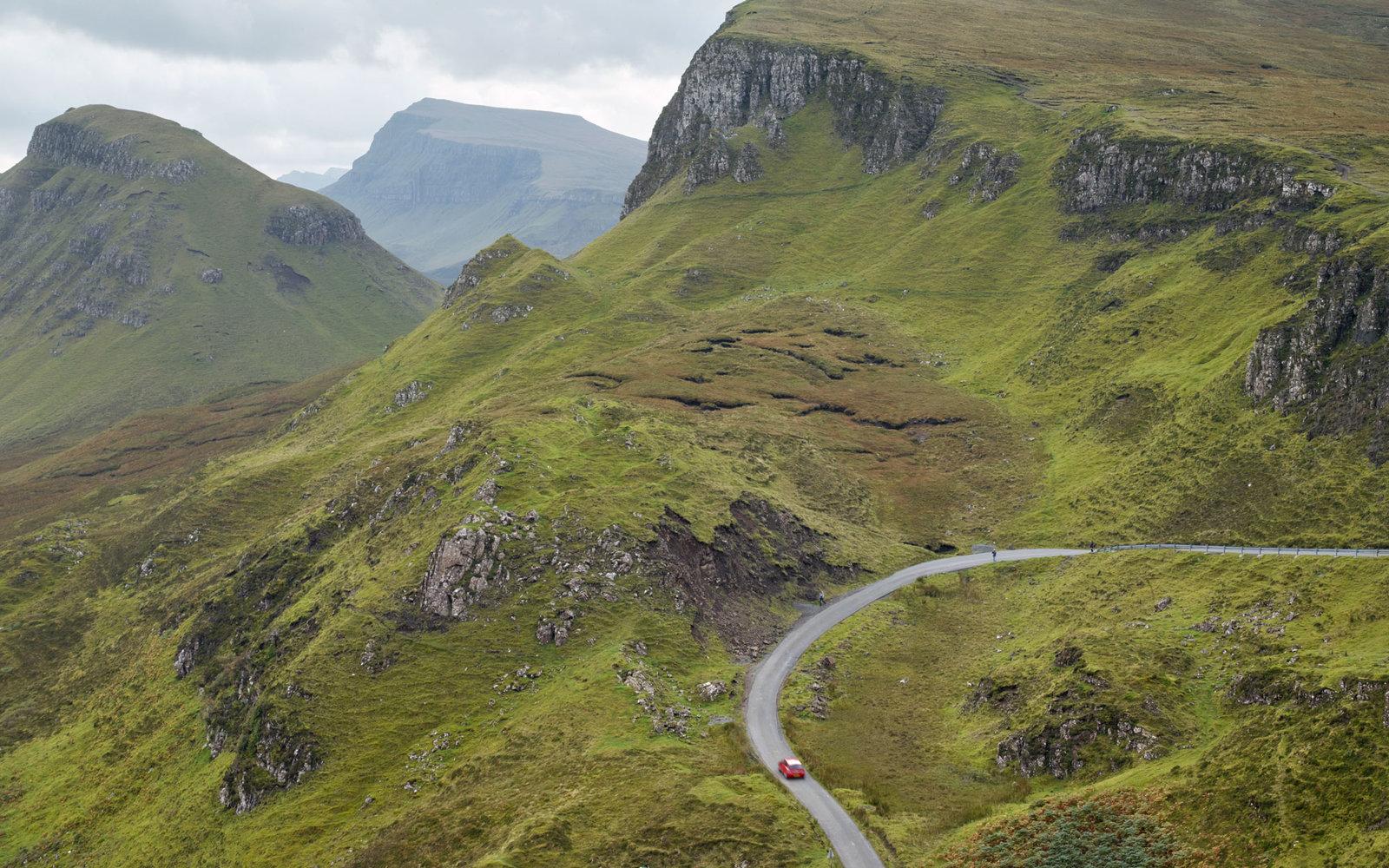 Skye-Isle-Green-Mountains-EARTHSKYE0116.jpg