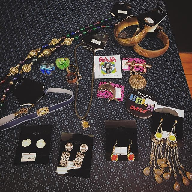 A TINY sampling of our awesome selection of vintage and retro jewelry, now only $1 as part of our store closing sale! Don't miss out on these deals! We're here until 4! . . . #that90sshop #stl #stlouis #florissant #flomo #noco #sale #storeclosing #vintagestore #90s #nostalgia #jewelry #vintagejewelry #jewelrysale #onedollar #dollarsale