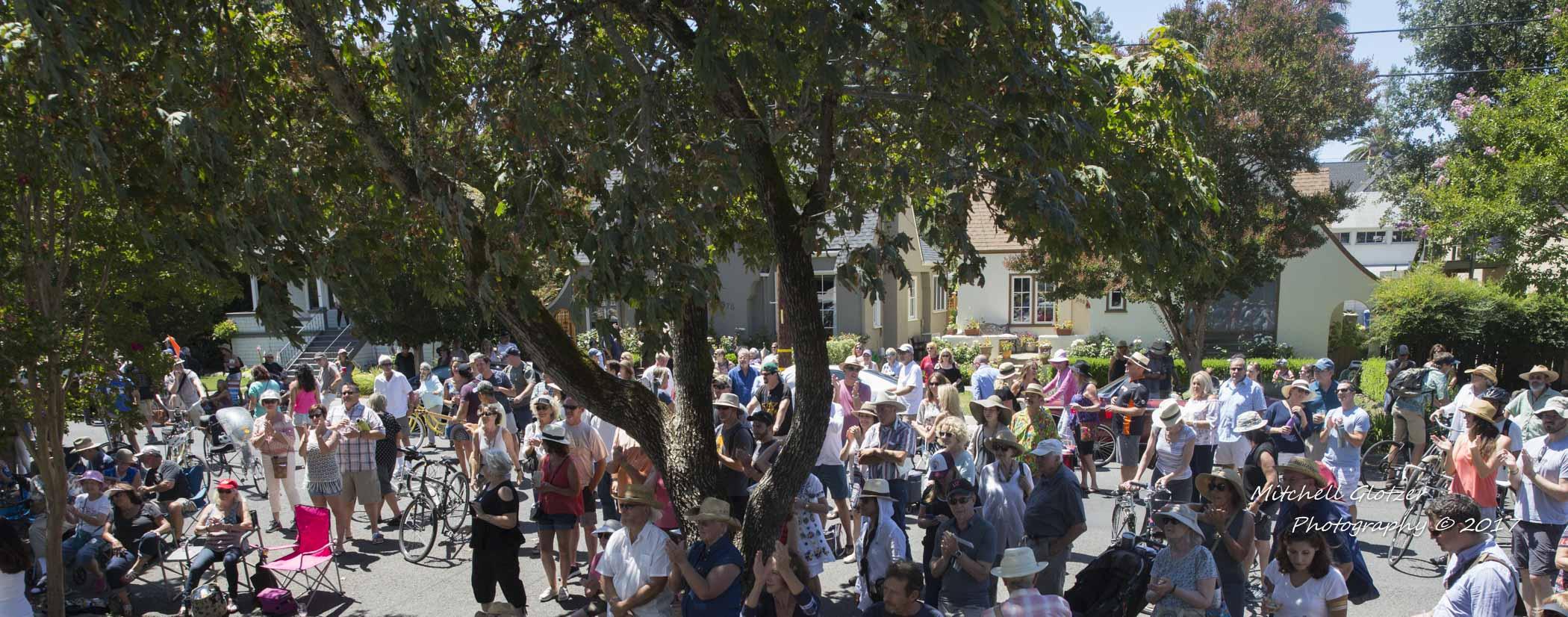 Bigger crowds! Porchfest 2017 .jpg