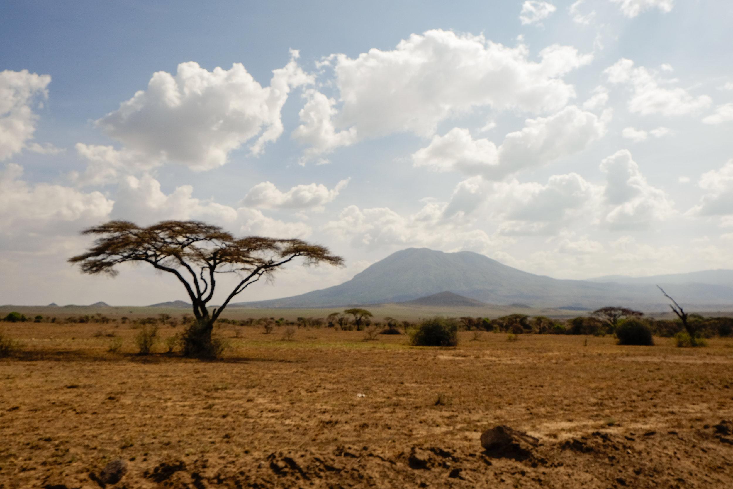 Ngorongoro_crater.jpg