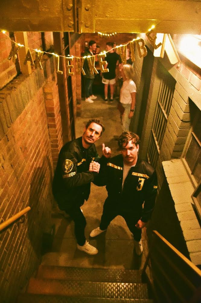 By Van Pletzen se album listening party.