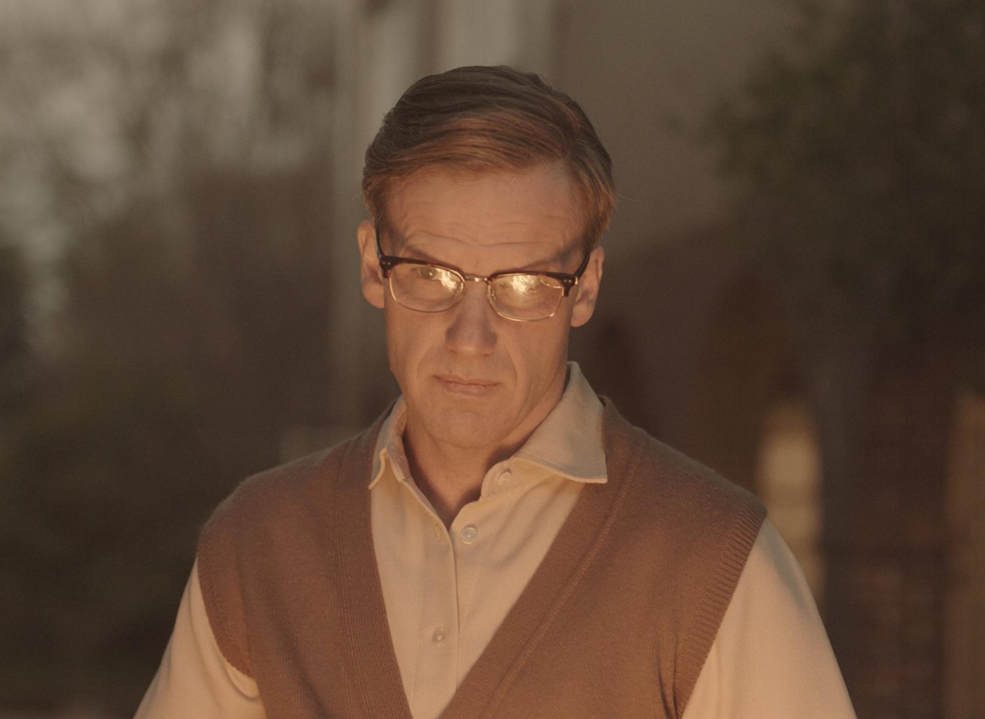 Peter Paul Muller vertolk die hoofrol as Bram Fischer.
