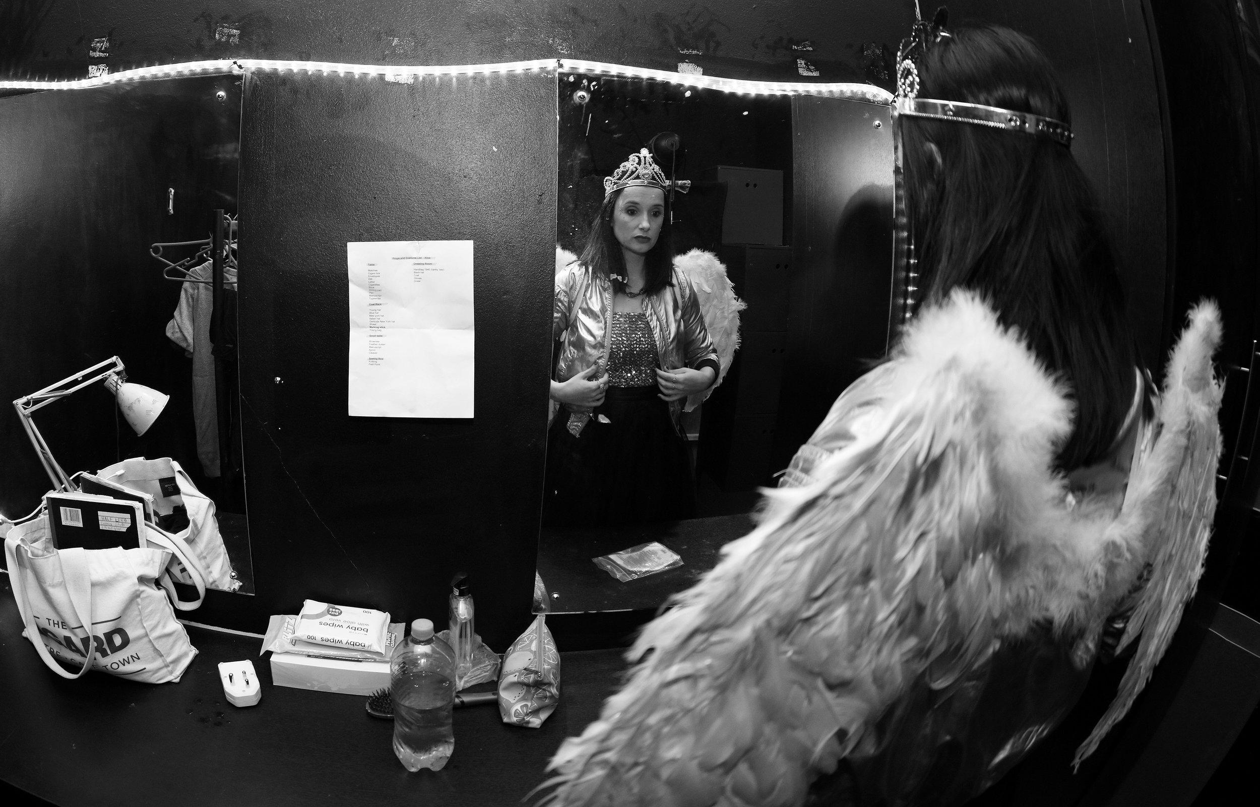 Cintaine Schutte in 'Half Leeg' by die Alexander-teater