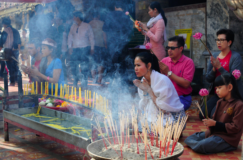 liveseasoned-fall15-visting-religious-sites2.png