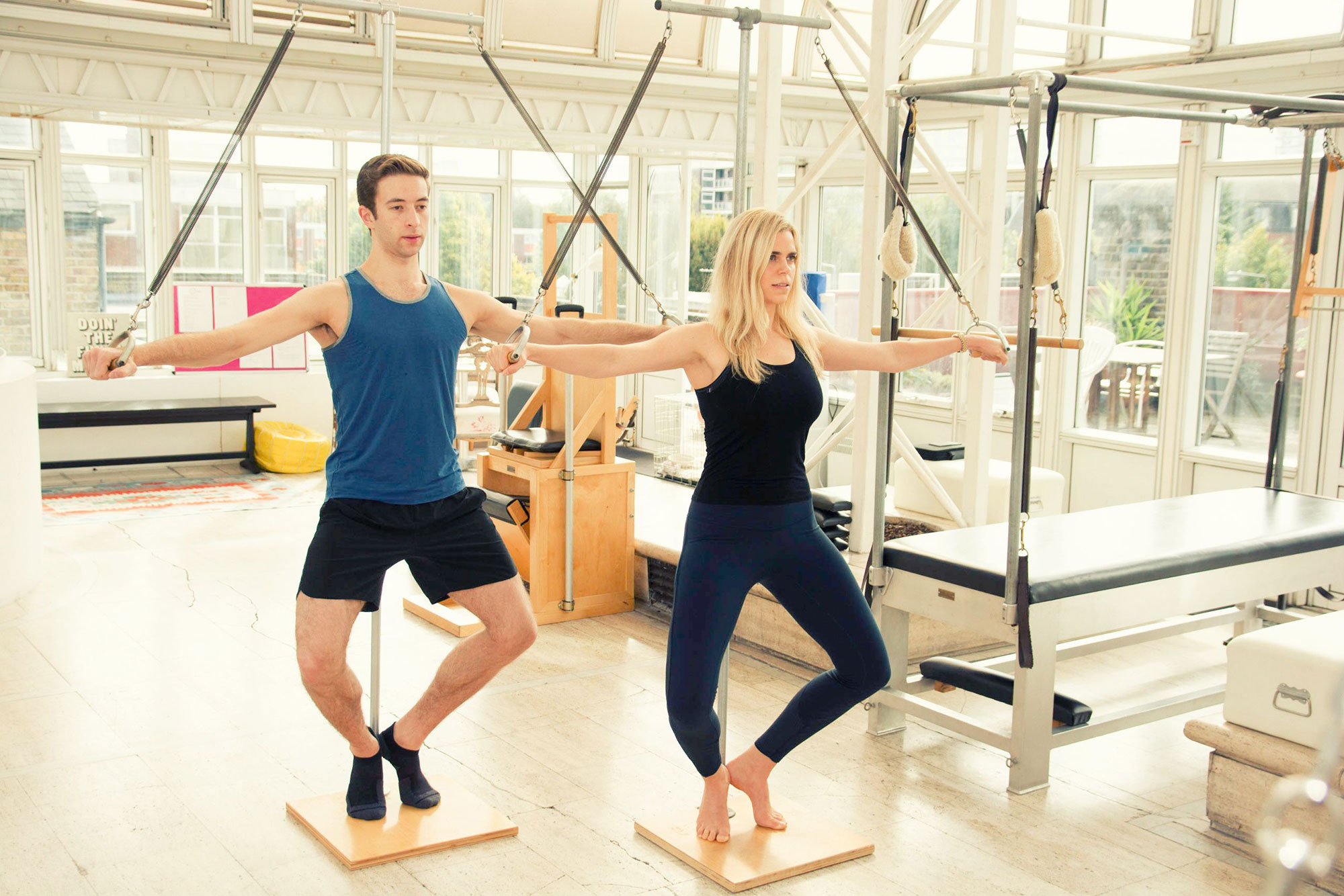 1:1 / 2:1 SESSIONS - Accelerate your learning with a 1:1 or 2:1 private session with one of London's top Pilates instructors.