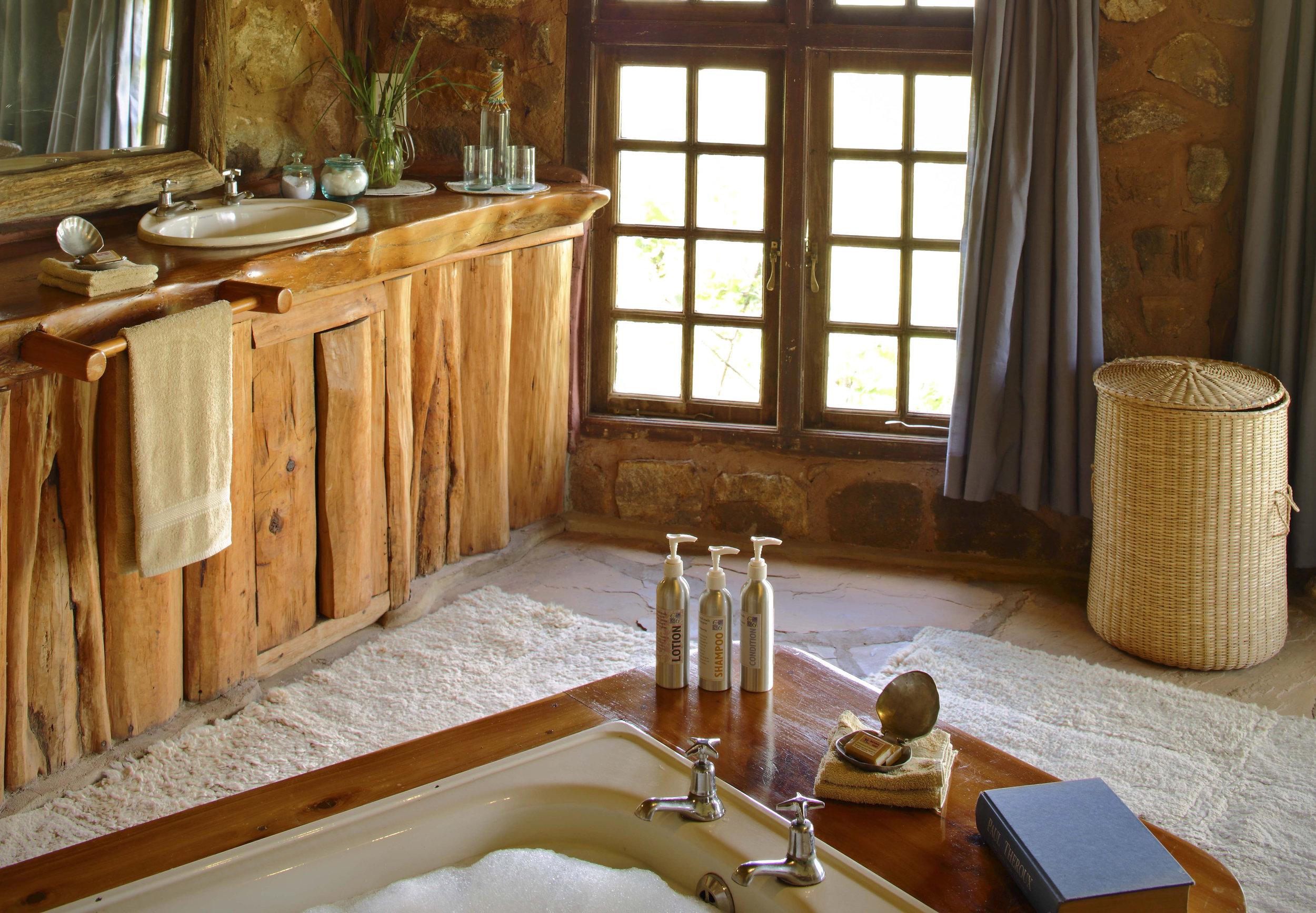 Borana 2018 Room 5 bathroom2.jpg