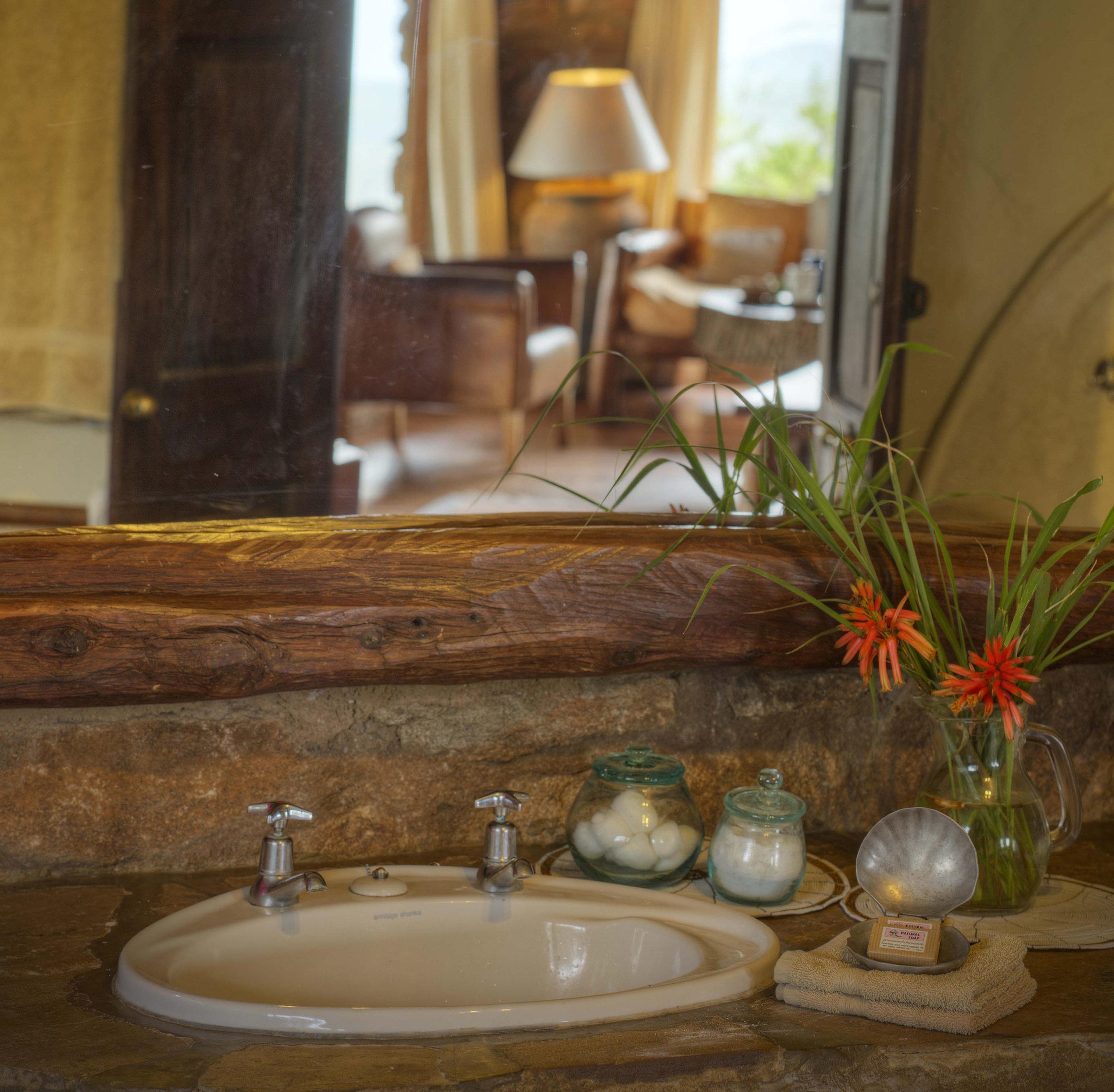 Borana 2018 Room 1 bathroom 2.jpg