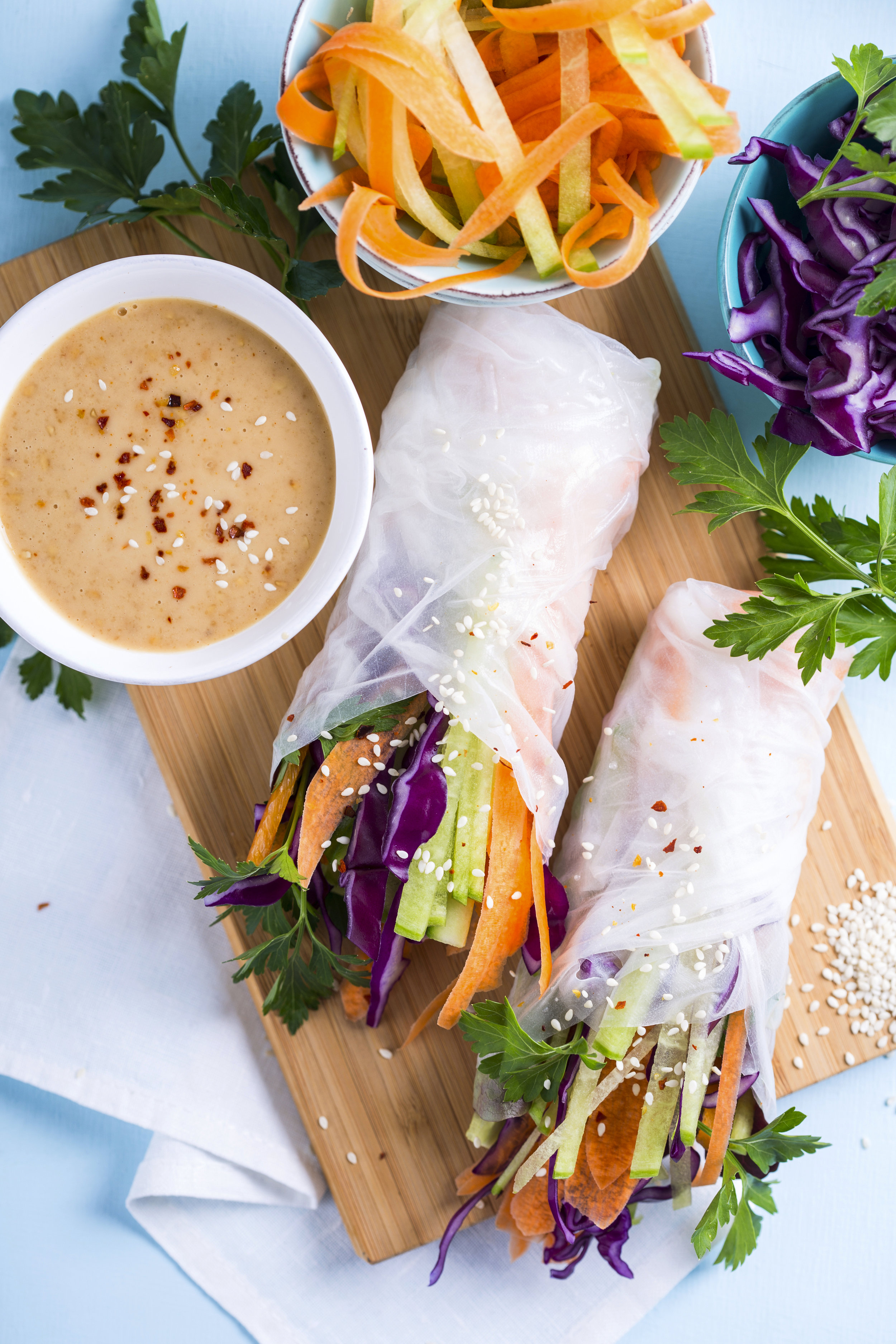 SUMMER ROLLS WITH PEANUT DIPPING SAUCE -