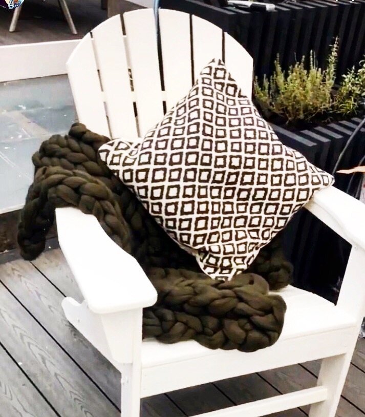 Chunky in the Garden - Thanks to Love Nellie, Lynne Lambourne and her fantastic sustainable garden design, a Chunky Needle throw has been included in her gorgeous Ideal Home Show garden over this weekend at Olympia, London. Definitely worth checking out. Mar 22-25th London.22/03/19