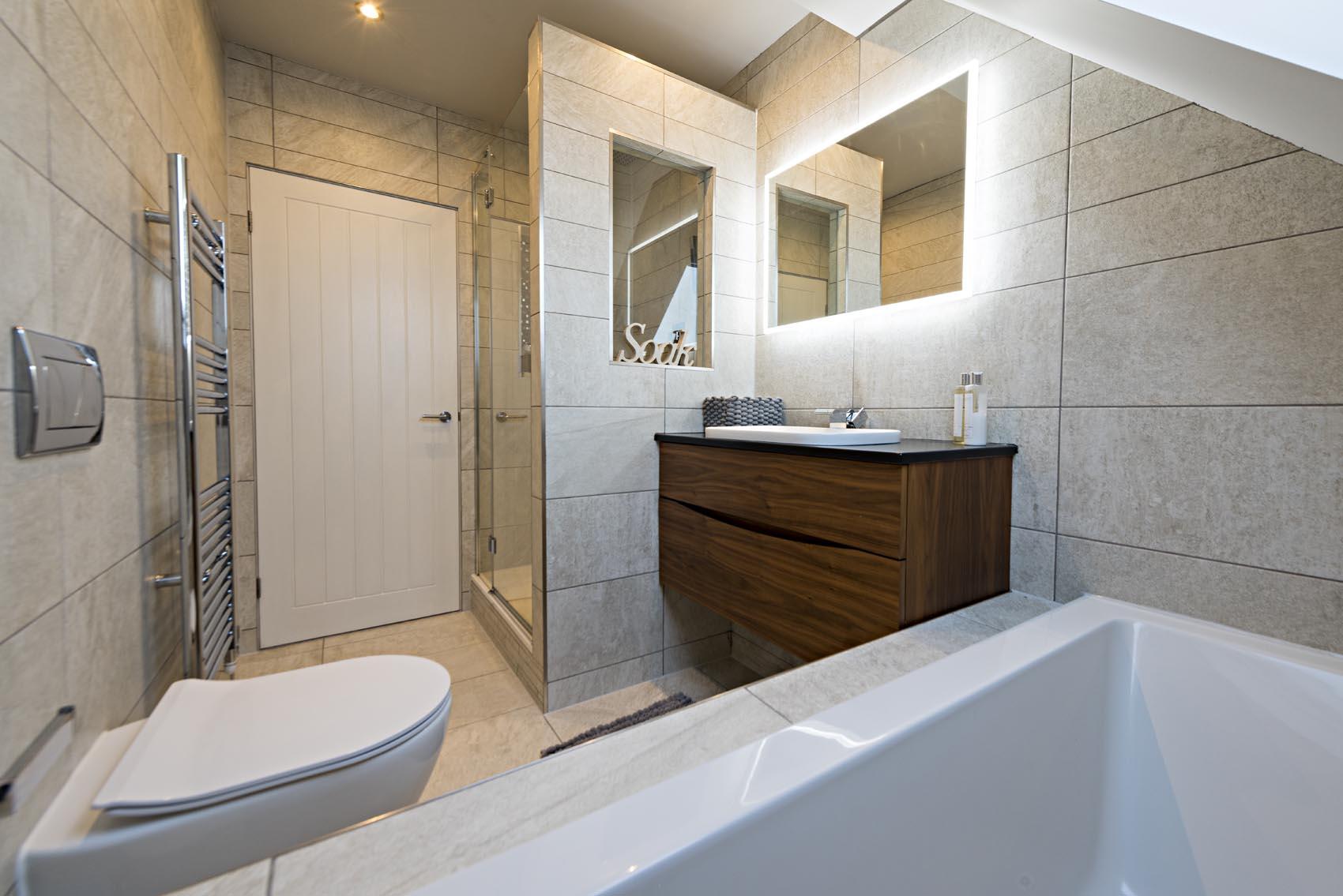 house bathroom 2.jpg