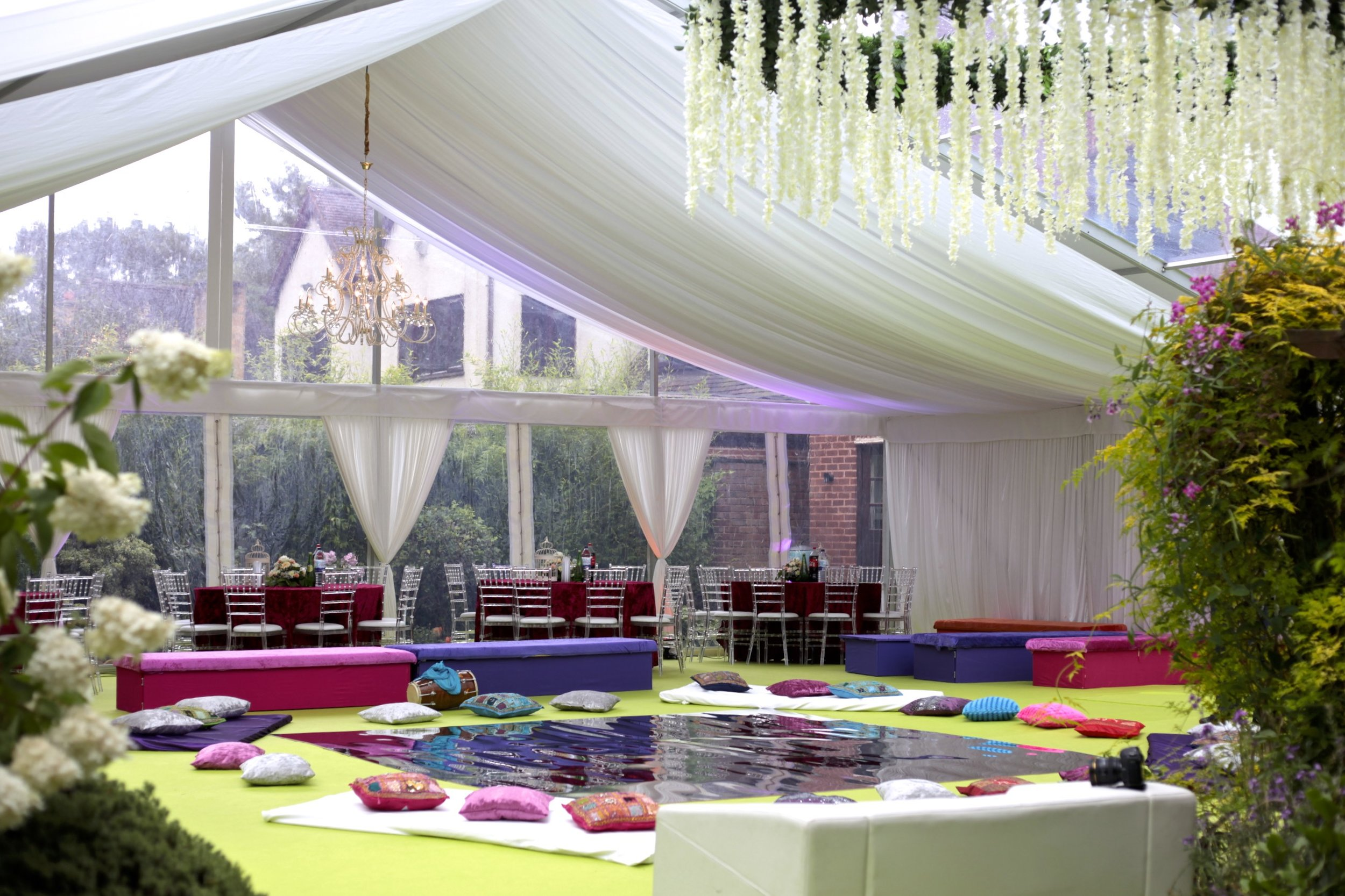 Marquee Colours - Having the luxury of being able to bring any theme to life is the beauty of Marquees. Whether it be a corporate dinner or a colourful, vibrant Sangeet night. Marquees can be tailored with custom lining colours, to the decor that goes into it.