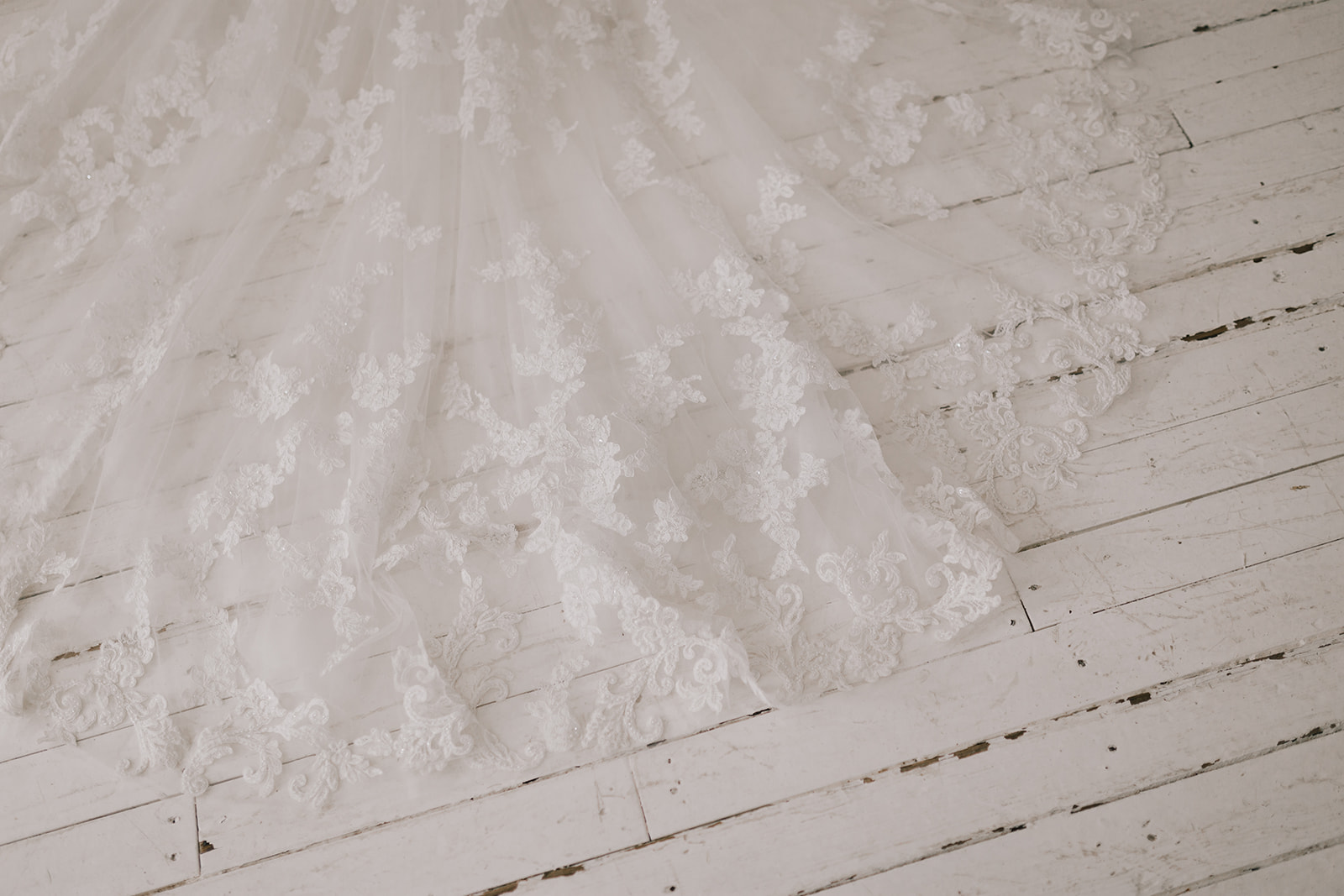 Photography:  Alyssa Barletter Photography  // Gown:  Casablanca Bridal