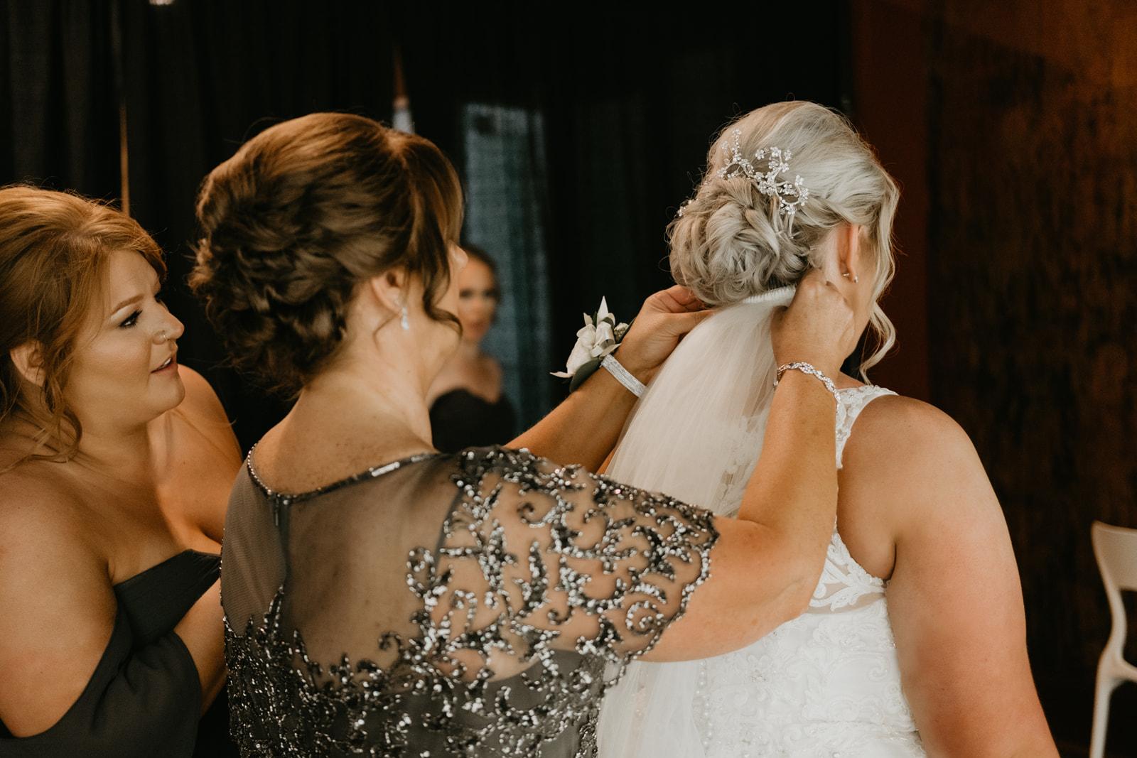 Kansas City Bridal Accessories