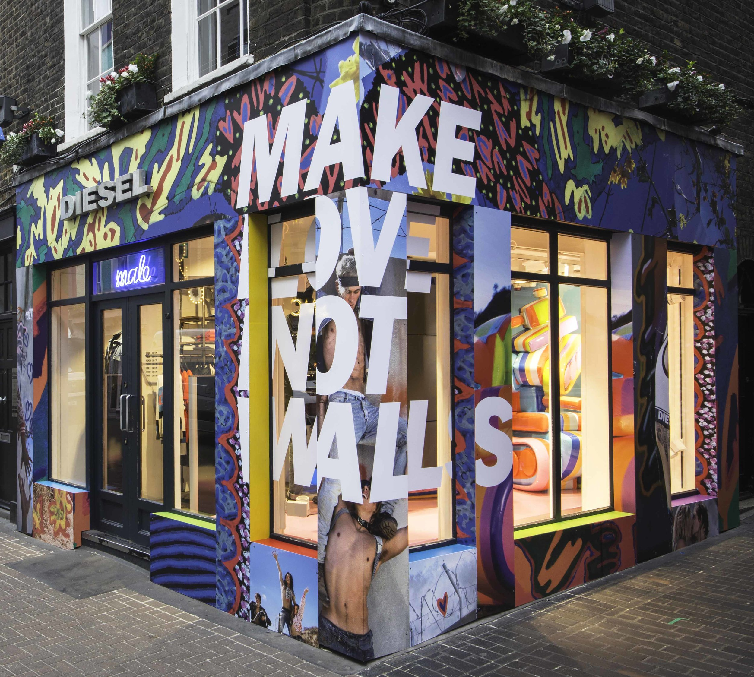 Diesel-Carnaby-Street-MAKE-LOVE-NOT-WALLS-Campaign-Male-Store-2017.jpg