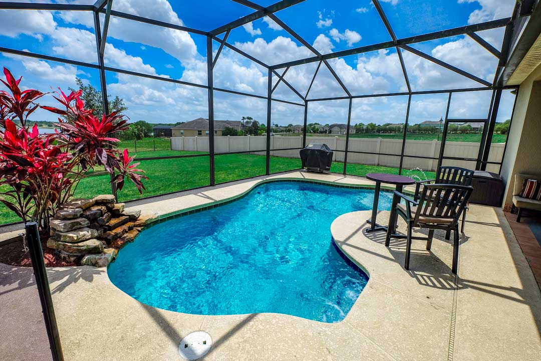 pool-homes-for-sale-in-lakeland-florida.jpg