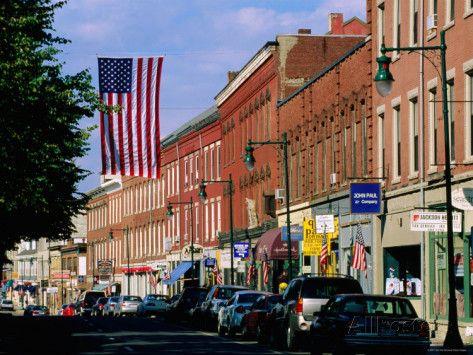 490b32783fc225541ad90eb67467f2d1--main-street-america-small-towns (1).jpg