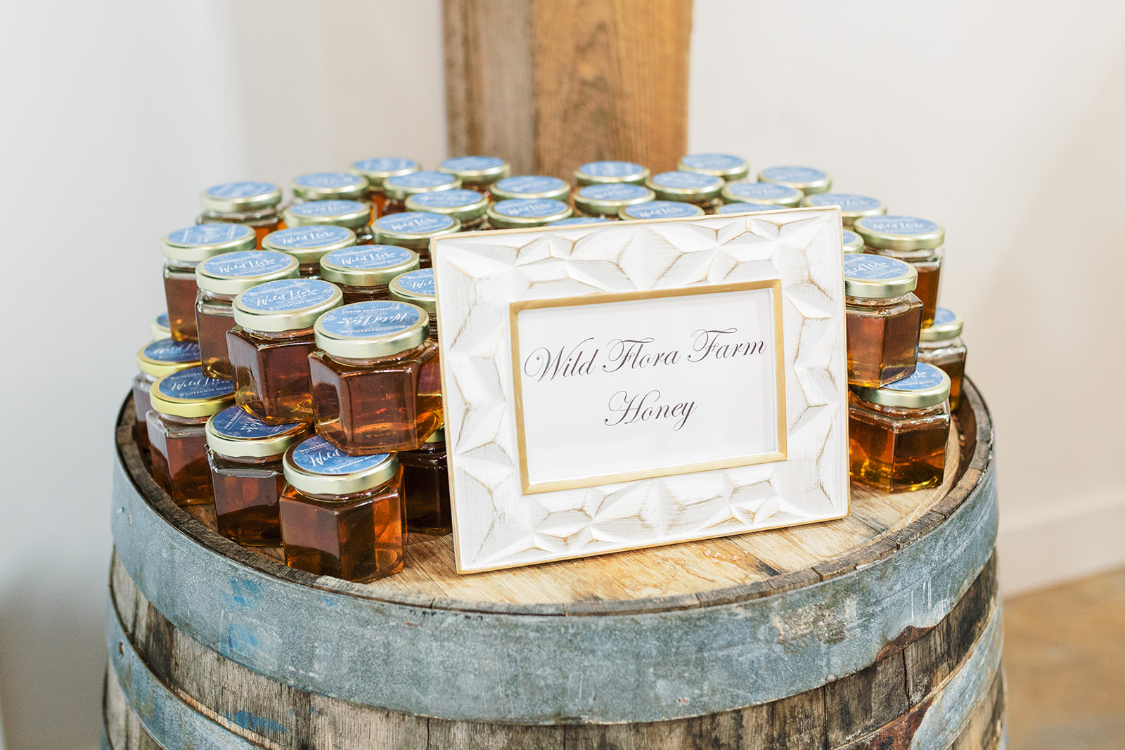 wild_flora_farm_honey_wedding_favors