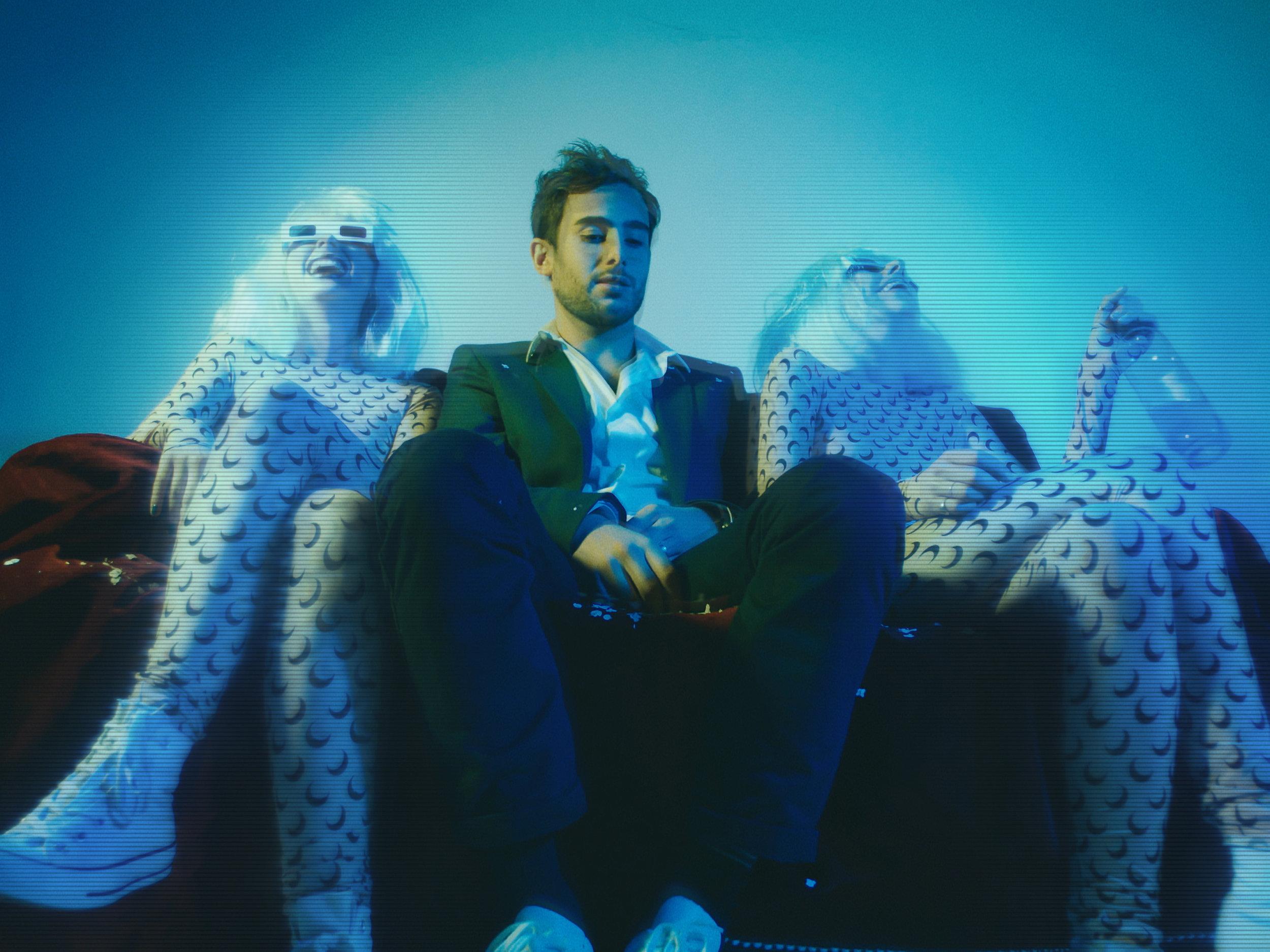 Clip Blue Desire -Sam Dian - Décors et stylisme. 2019coming soon