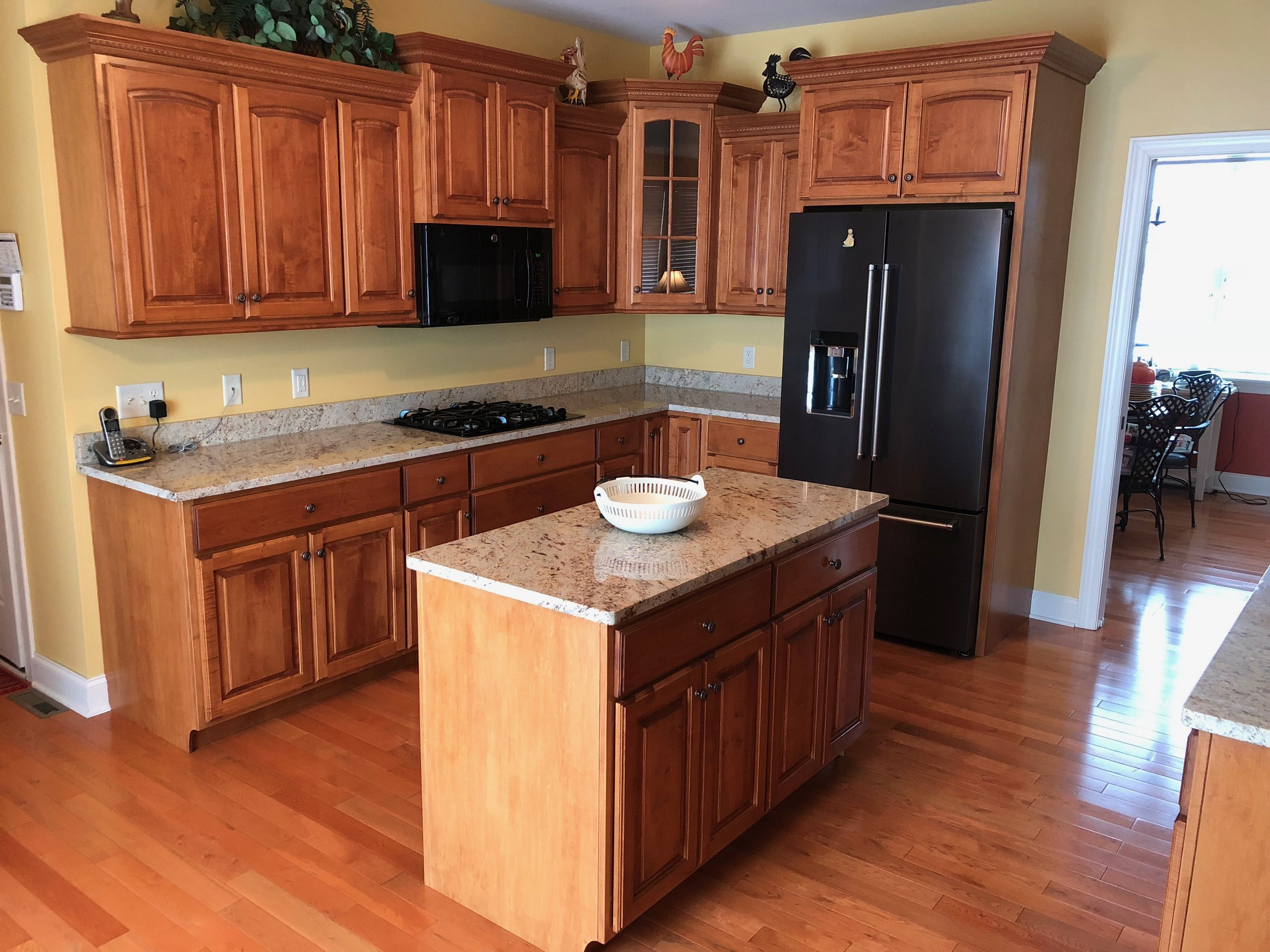 Before -  Professional kitchen cabinet painting