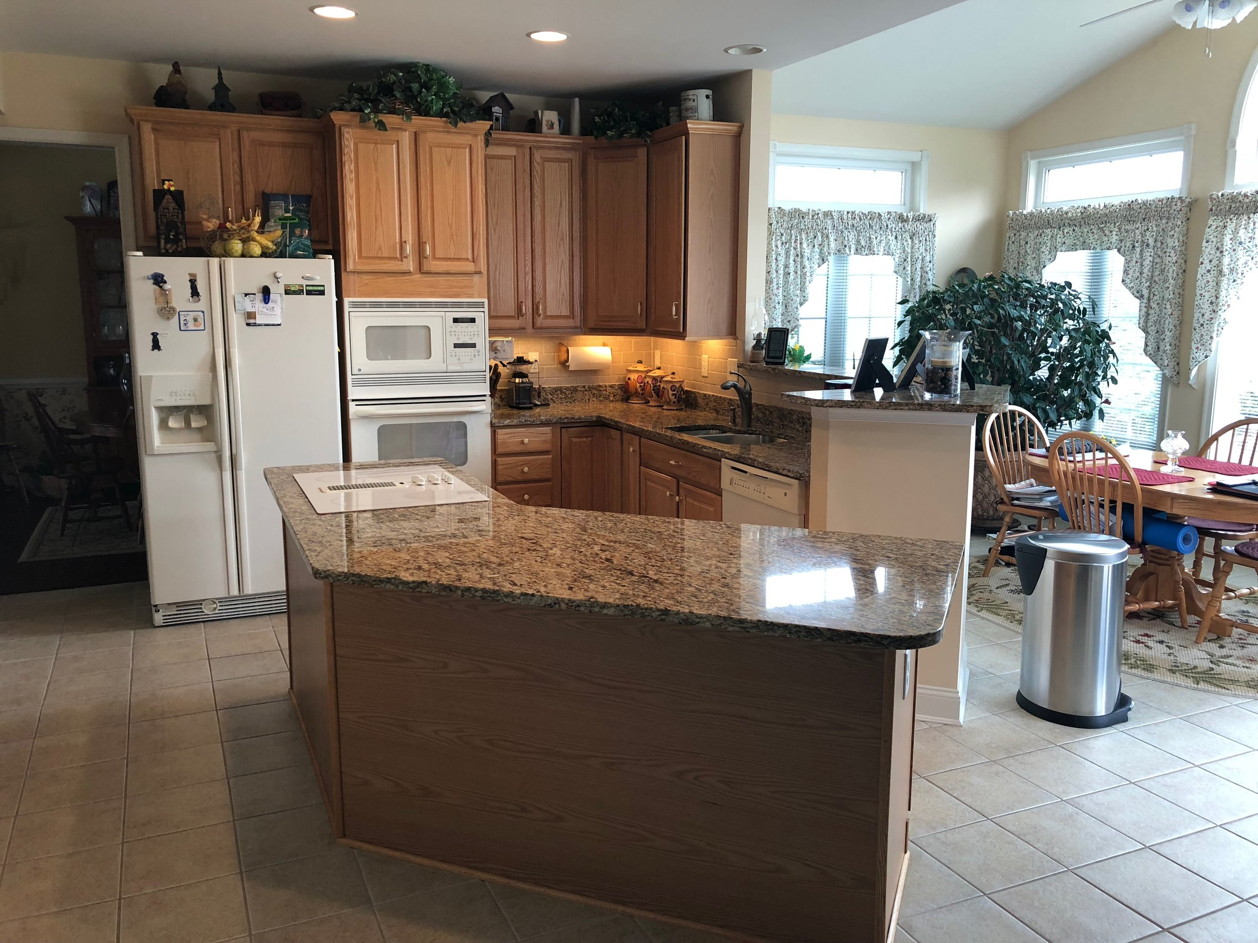 Before - Kitchen cabinet painting in Shrewsbury Pa