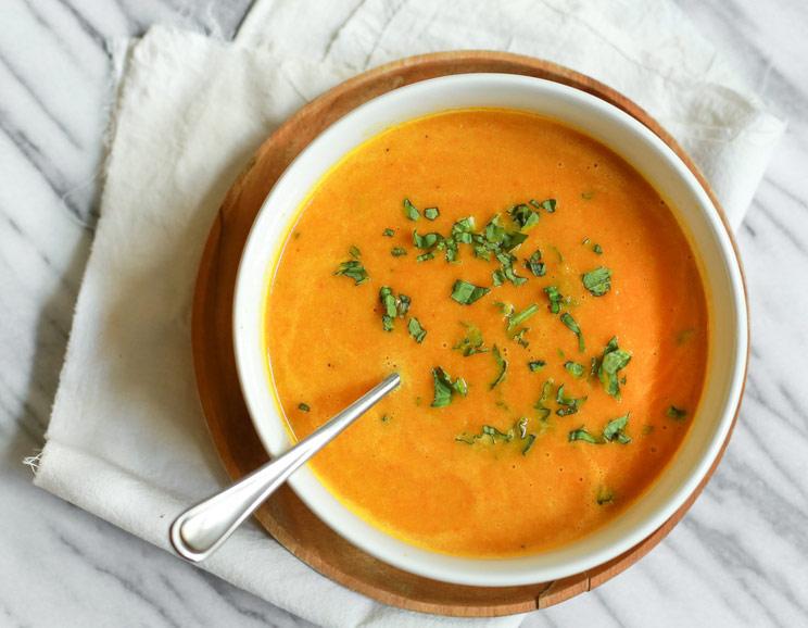 Paleohacks'ApplePumpkin Soup - Serve with bread if not paleo or potato wedges