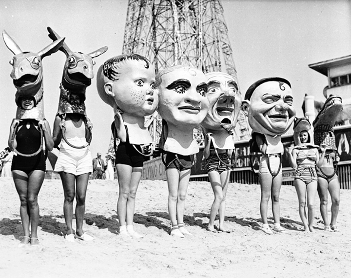 Throwback to the days when bobble heads took up a lot more space... #throwback #vintage #venicebeach #socal #Losangeles #cali #boardwalk