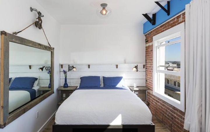 Venice Beach Waldorf Suites includes luxury furnishings, stunning decor, and coastline and white water ocean views. Enjoy the splendor! #venicebreeze #lavish #style #design #luxury #awardwinning #suites #Venice #socal #losangeles #vacation #resort