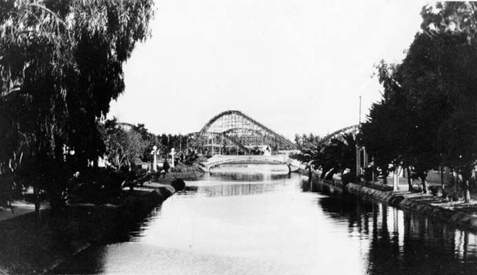 This was the view of the roller coaster from the Venice Canal back in 1921. The area looks different now, but there's still plenty to see! #venice #losangeles #cali #socal #tbt #vintage #blackandwhite #photography #1920s #throwback #rollercoaster #venicecanal #view