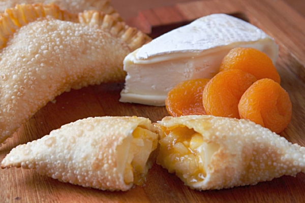 Brie with apricot.jpeg
