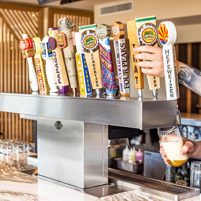 Hilton Sedona Shadowrock Tap & Table Bar