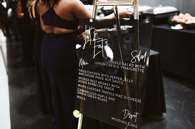 forever obsessed with this smokey black acrylic menu 🖤 . . photography: @stephanieparsley . . . #customsignage #shoppapersupplyco #makemoments #arkansaswedding #arkansasbride #arbride #weddingsinarkansas #weddingdetails #stylemepretty #bridetobe #theknot #weddingsignage #weddinginspo #weddingideas #weddingsign #weddingmenu