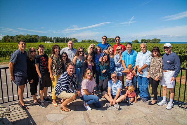 Looking to have fun with the whole family this weekend? We offer private tours for couples to your entire family. Experience Niagara's Wine Country Today! 🍷 🍇 💕 ▪️Book Online or Call (289) 868-8686▪️