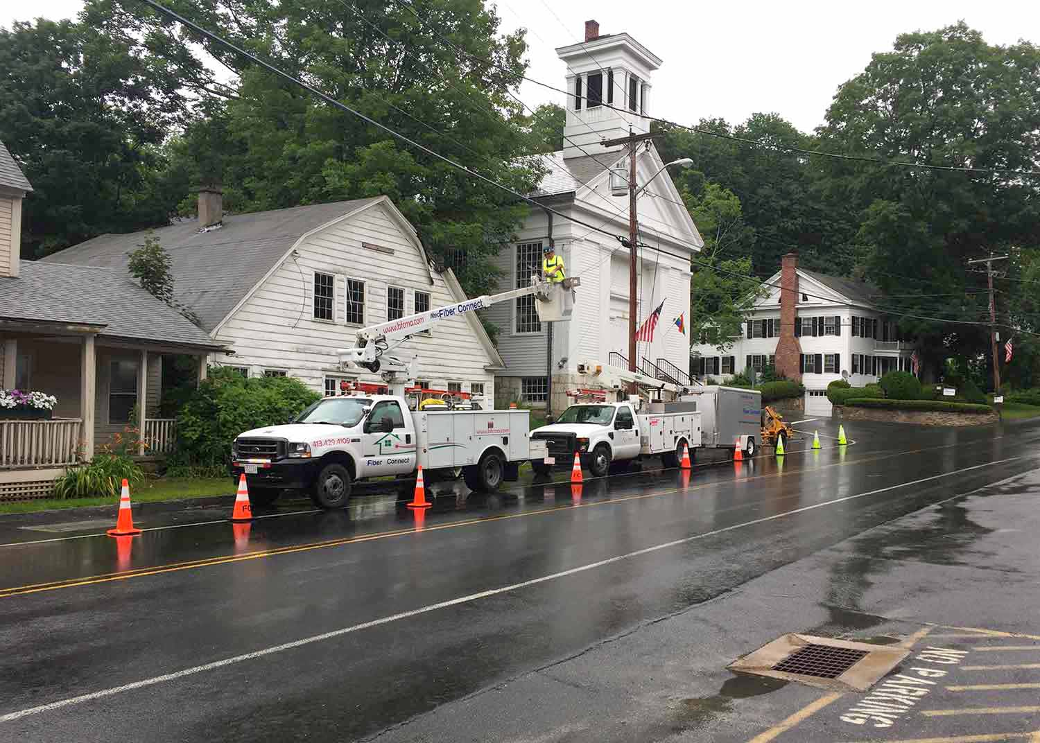 Fiber Connect Installing Fiber Optic Cable, Main Street, Monterey, MA