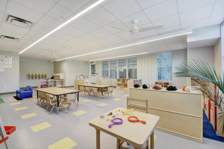 1200-paul-theresa-saldaa-st-print-023-21-classroom-016-4200x2801-300dpi_resized.jpg