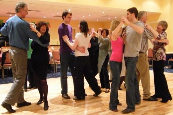 Learn-To-Ballroom-Social-Dance.jpg