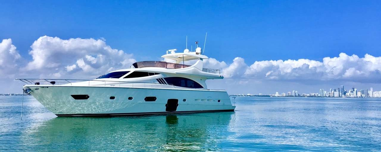 YOGA YACHT - In Miami, we offer exclusive experiences. Live the luxury of  connection to yourself, others, and the sea.