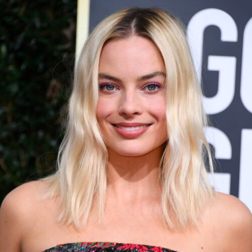 celebrities with hair extensions: Margot Robbie