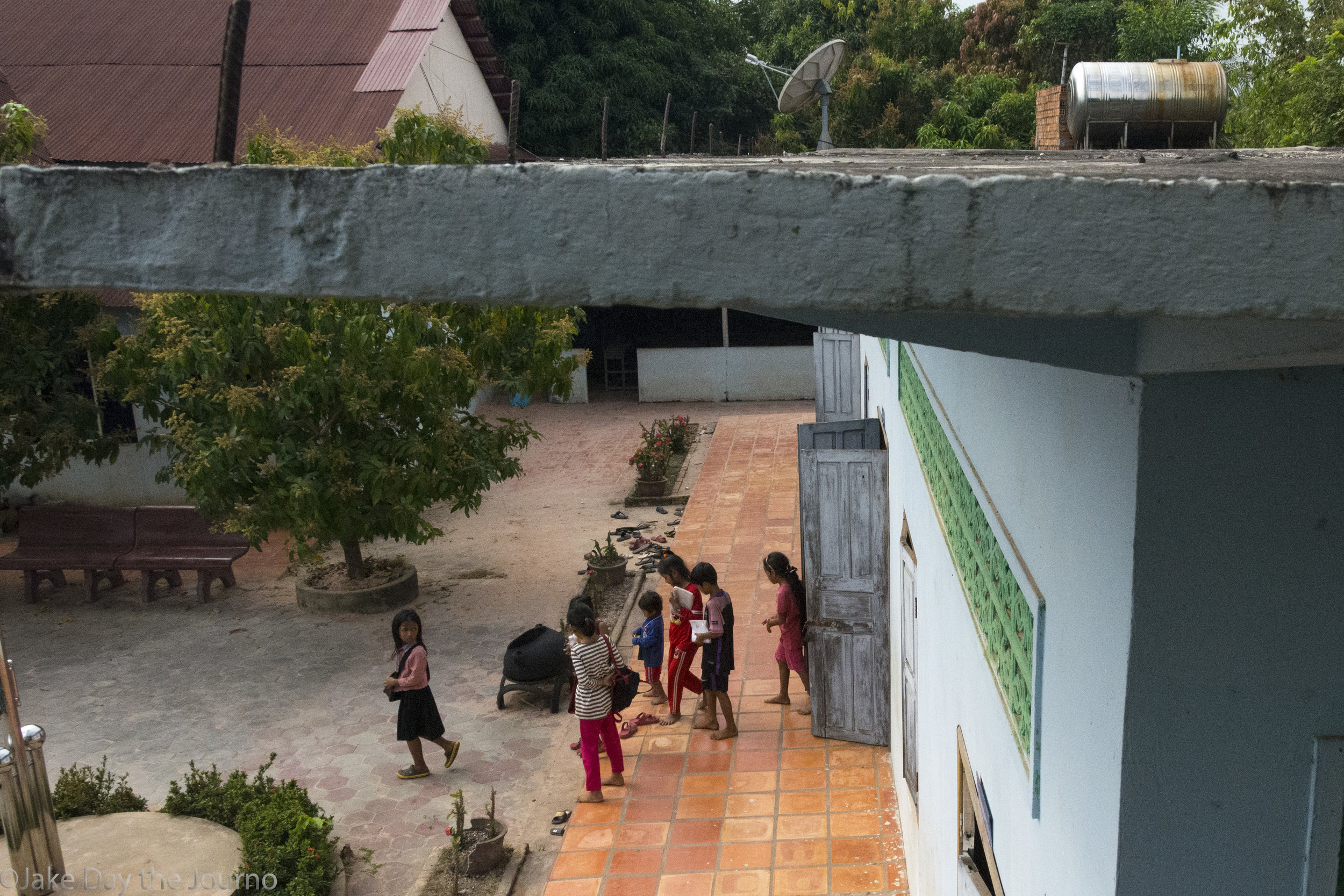 Children leave class for lunch at Savong's School, Don Teav Village, on 24/01/18 by Jake Day. The children go home during the middle of the day for lunch.