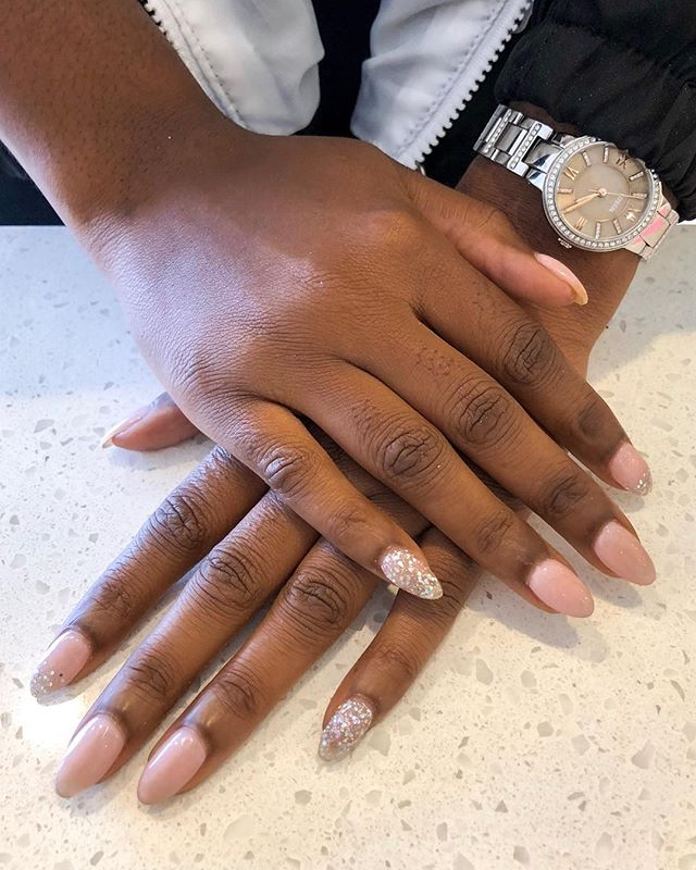 ✨ Tick tock, the time is ticking to stick with your news years resolutions of treating yourself! Let your year SHINE with a manicure. — #ModishNailSpa #gelnails #designnails #glitternails #newyearnails