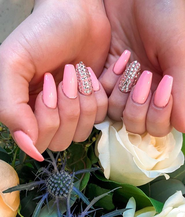 ✨🎀 Absolute GEMS! — These nails are sure to shine for any occasion.  You're sure to look pretty in pink! — #ModishNailSpa #NailsofInstagram #NailDesign #DipPowderNails