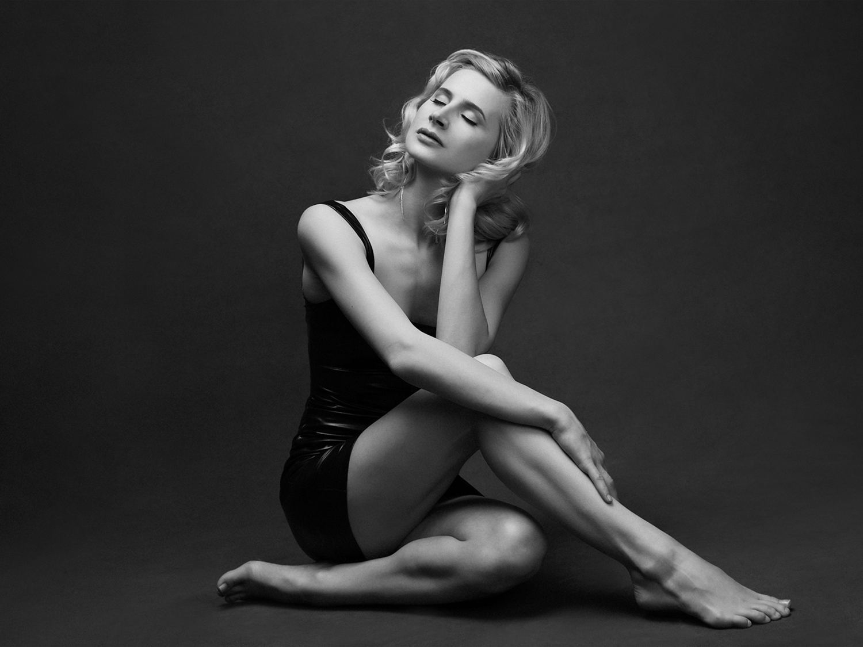 Sensual Portraits by Mayumi Acosta Photography in Sacramento CA.jpg