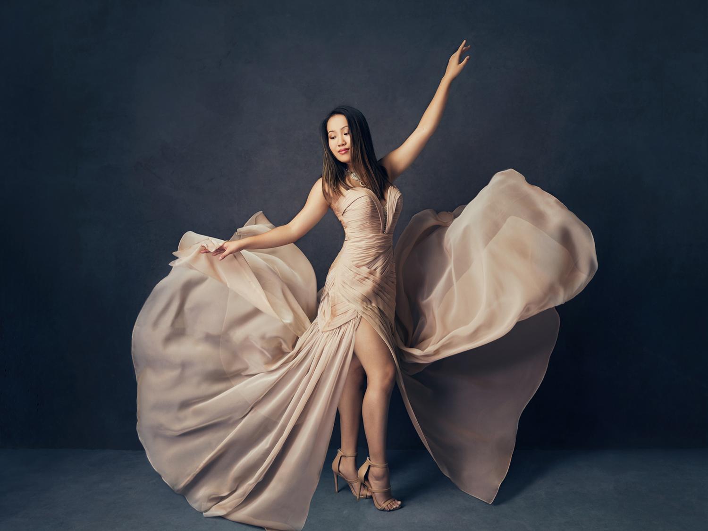 Stunning glamour photography by Mayumi Acosta in Sacramento CA.jpg