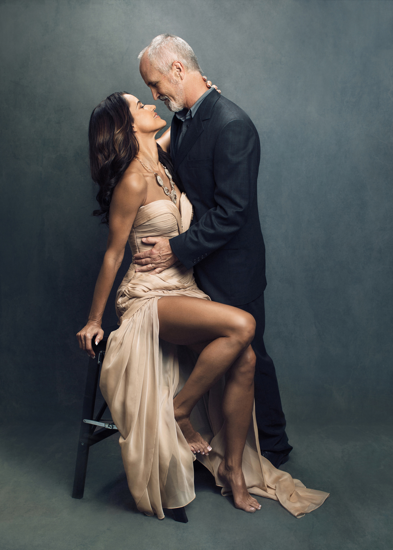 Hollywood style portrait of couple by Sacramento Photographer Mayumi Acosta.jpg
